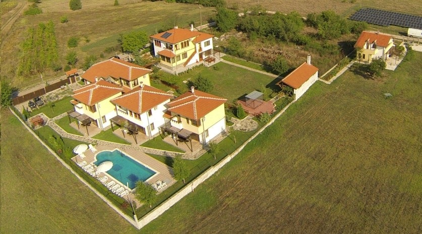 Nicodia Estate - Country Villas